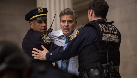 George Clooney stars as TV show host Lee Gates in 'Money Monster', directed by Jodie Foster.